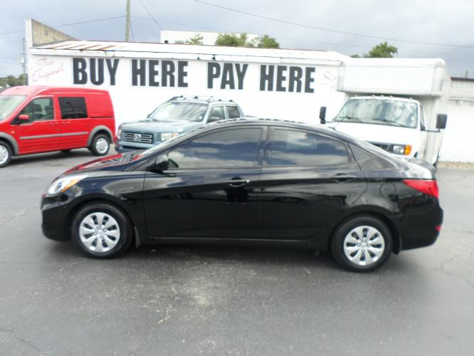 2016 Hyundai Accent SE 4-Door 6A (KMHCT4AE0GU) with an 1.6L L4 DOHC 16V engine, 6A transmission, located at 6112 N Florida Avenue, Tampa, FL, 33604, (888) 521-5131, 27.954929, -82.459534 - Photo #0