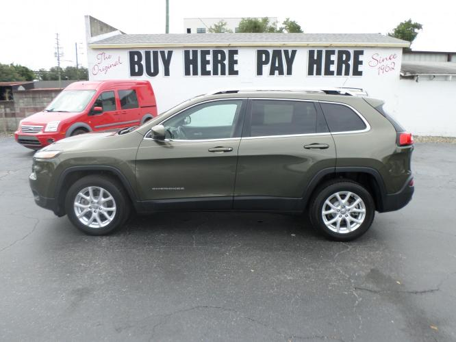 2014 Jeep Cherokee Latitude FWD (1C4PJLCS6EW) with an 3.2L V6 DOHC 24V engine, 9-Speed Automatic transmission, located at 6112 N Florida Avenue, Tampa, FL, 33604, (888) 521-5131, 27.954929, -82.459534 - Photo #0