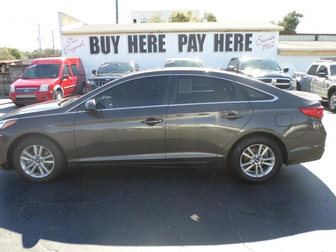 2016 Hyundai Sonata SE (5NPE24AF4GH) with an 2.4L L4 DOHC 16V engine, 7A transmission, located at 6112 N Florida Avenue, Tampa, FL, 33604, (888) 521-5131, 27.954929, -82.459534 - Photo #0