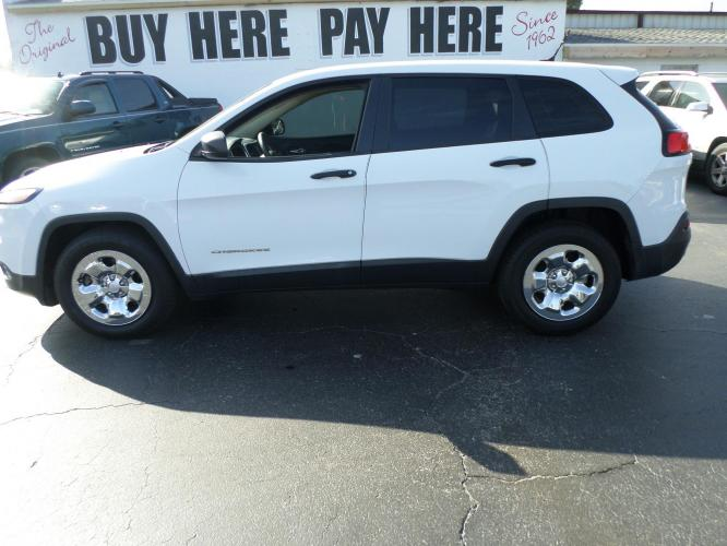 2014 Jeep Cherokee Sport FWD (1C4PJLAB0EW) with an 2.4L L4 DOHC 16V engine, 9-Speed Automatic transmission, located at 6112 N Florida Avenue, Tampa, FL, 33604, (888) 521-5131, 27.954929, -82.459534 - Photo #0